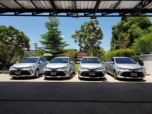 Toyota Vios advertisement 4 cars