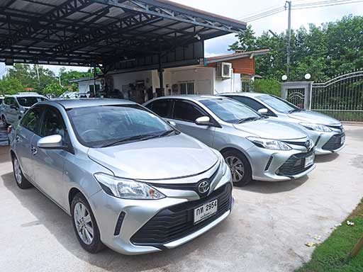 Toyota Vios, front view of 3 cars