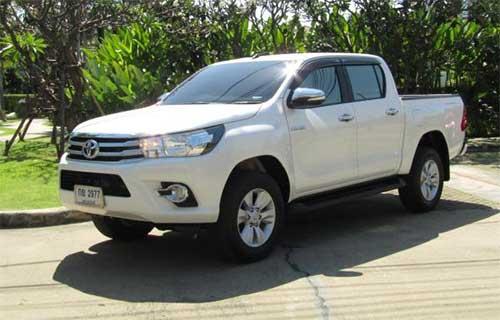 Toyota Hilux Revo Exterior 5